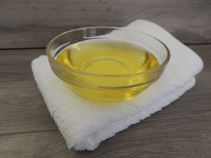 Avocado Oil, Refined (Cosmetic Grade)